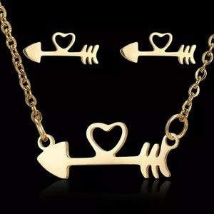 Fishbone Love arrow Necklace and Earrings. 🆕